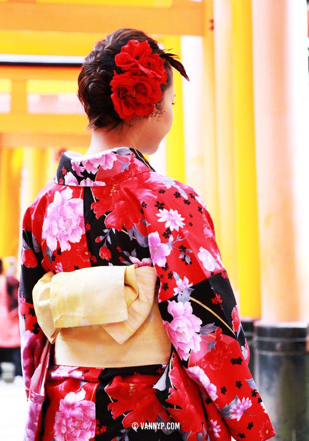kimono-kyoto-fushimi-inari-taisha-4
